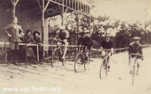 Wielerbaan VELU van Ab ten Berk de Boer, collectie Jurry H. Hulzebos.