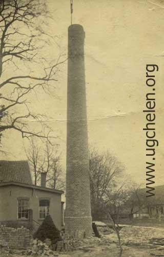 Schoorsteen Wasserij De Klarenbeek, collectie Hemmie Geurts.